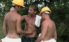 Hot muscled homo dude gets insane fellatio by two sexy and