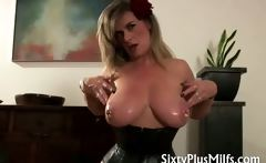 mature fuck slut Sam has great boobs